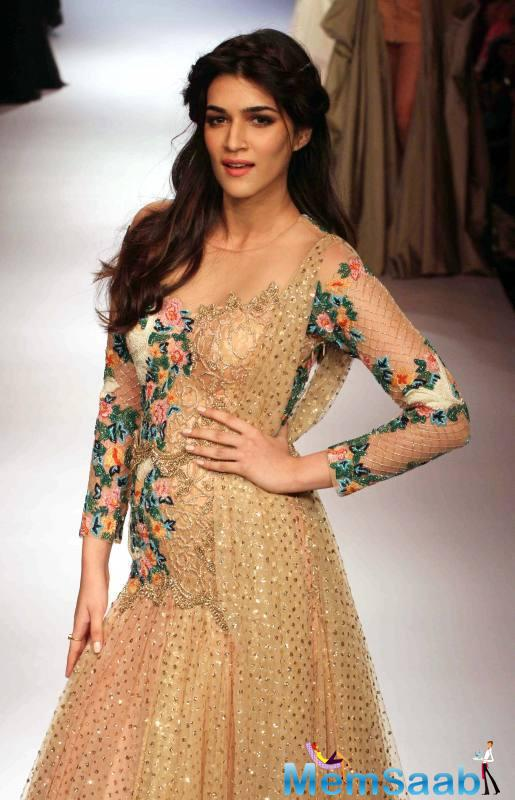 Kriti, who was treating her fans with a question and answer session on Twitter on Monday, was asked about her character in 'Raabta' by a user.