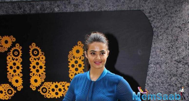 Surveen Chawla is also being part of this TV show '24: season 2'