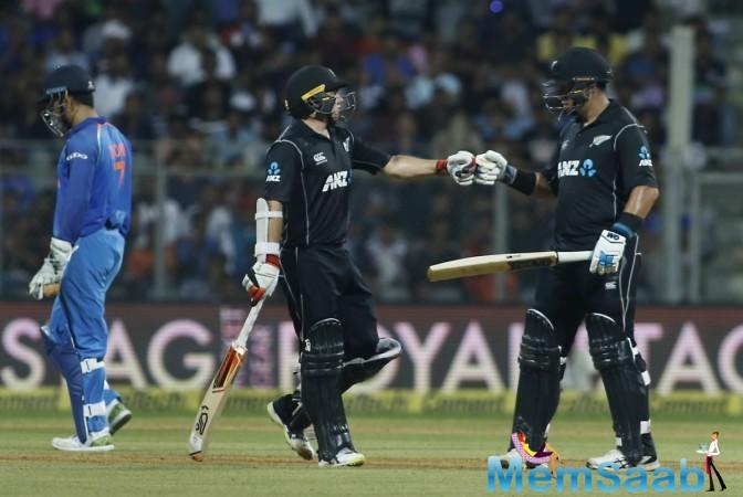 The New Zealand openers Martin Guptill (32 of 48) and Colin Munro (28 of 35) did not go down the stage on fire. But the two provided a solid start to the Kiwi innings before Jasprit Bumrah dismissed the left-hander as Karthik took a neat catch.