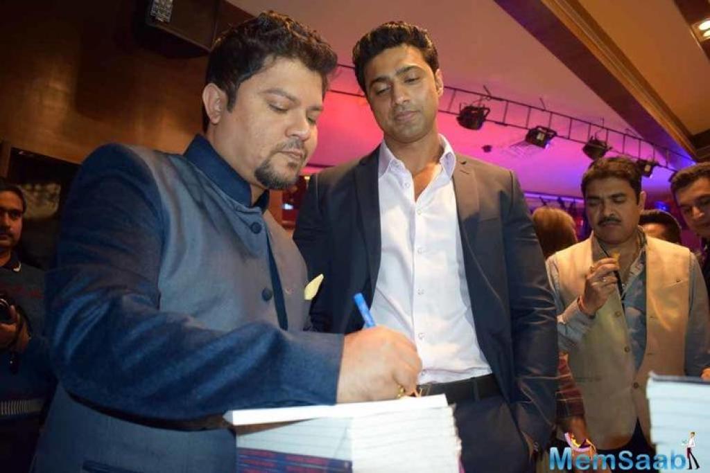 Bollywood's eternal dreamgirl Hema Malini congratulated Ram Kamal on this achievement.