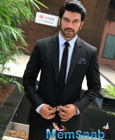 Sharad Kelkar, who works with Ajay Devgn for the fourth time in Tanhaji: The Unsung Warrior, says the actor is like his big brother.