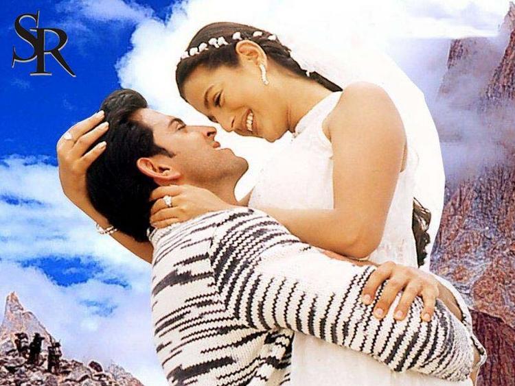 Amisha and Hrithik Romance Pic Wallpaper