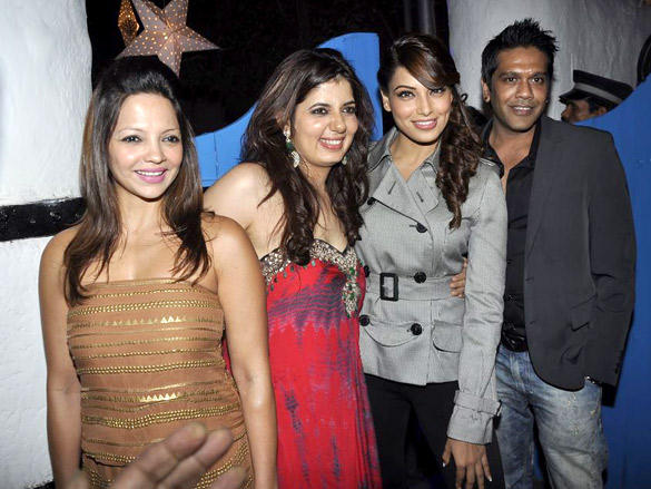 Bipasa Basu at Dabboo Ratnani's 2012 Calendar Launch