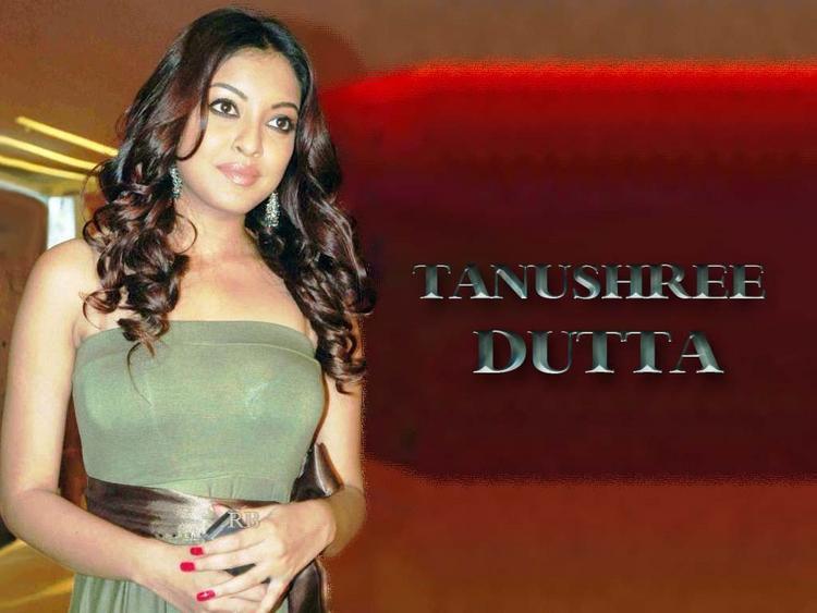 Dusky Beauty Tanushree Dutta Wallpaper