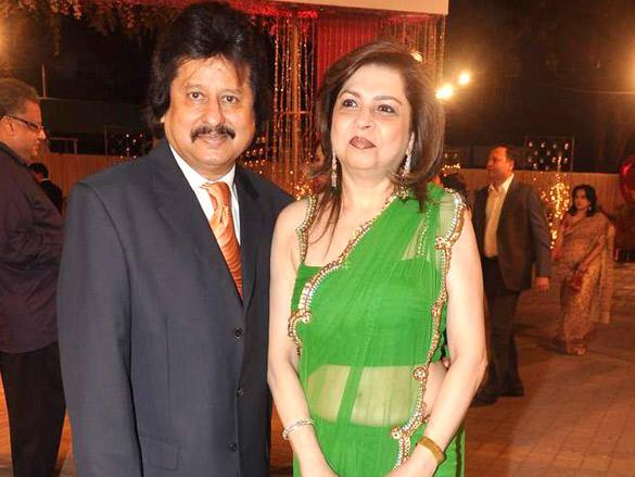Farida Udhas,Pankaj Udhas at Vikas Kalantri wedding reception