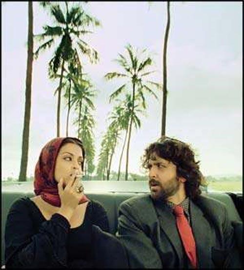 Guzaarish Movie Aish and Hrithik Roshan Wallpaper