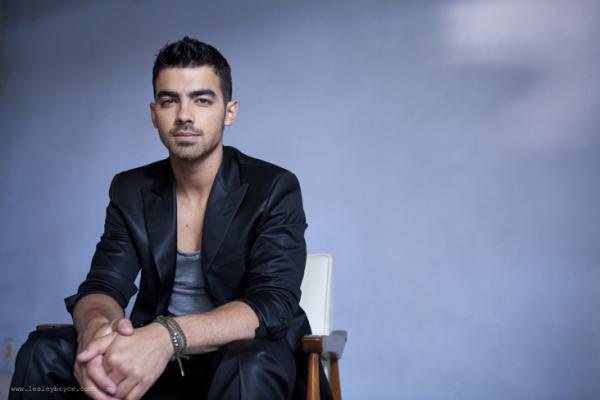 Joe Jonas Hot Pose Photo Shoot