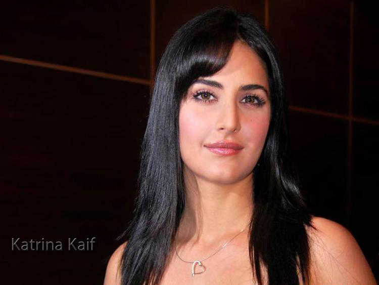 Katrina Kaif Glam Face Wallpaper