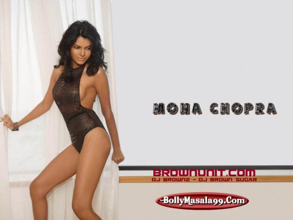 Mona Chopra Hot Dressing Wallpaper