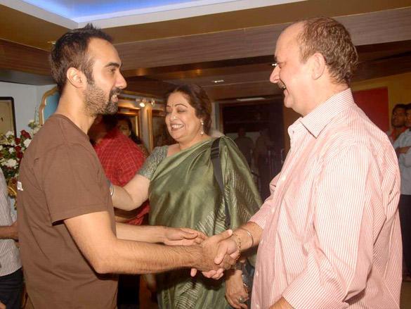 Raju Kher celebrates his fathers prayer meet