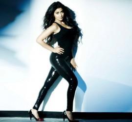 Shriya Saran Hot Wallpapers In Black Jeans