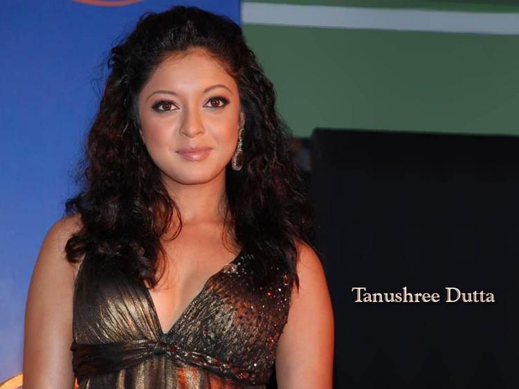 Tanushree Dutta Curly Hair Glamour Still