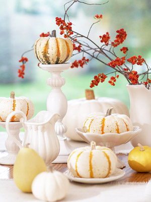 White gourds with white dishes