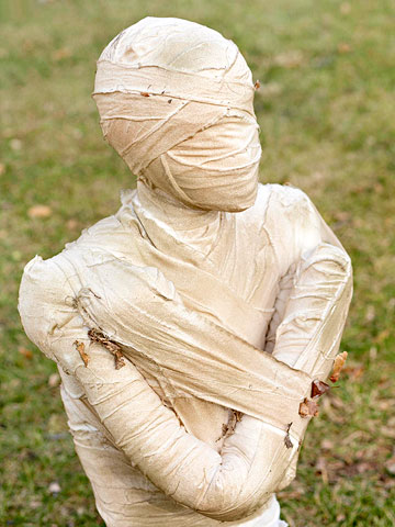 Halloween Decor How To Make A Mummy
