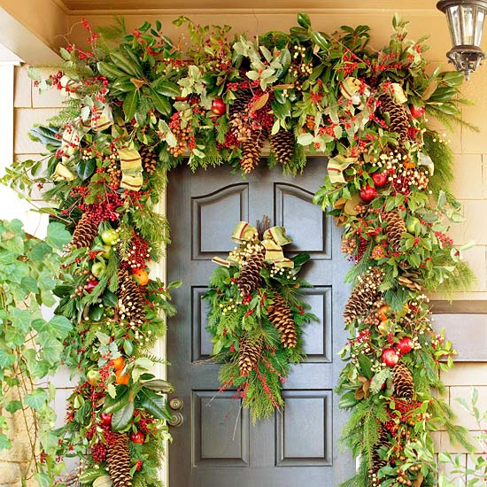 Nature-Inspired Front Door Christmas Garland