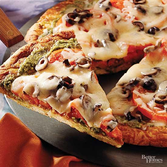 Fresh Tomato Pizza with Pesto
