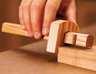 wooden marking gauge