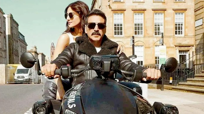 Bell Bottom Movie Review: Bollywood Down!