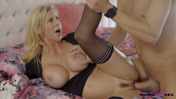 MomsTeachSex.com - Alexis Fawx: Let Mommy Help You - S6:E7