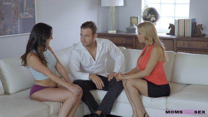 MomsTeachSex.com - Alexis Fawx,Brittany Shae: Stepmom Squirts On Horny Teen - S5:E5