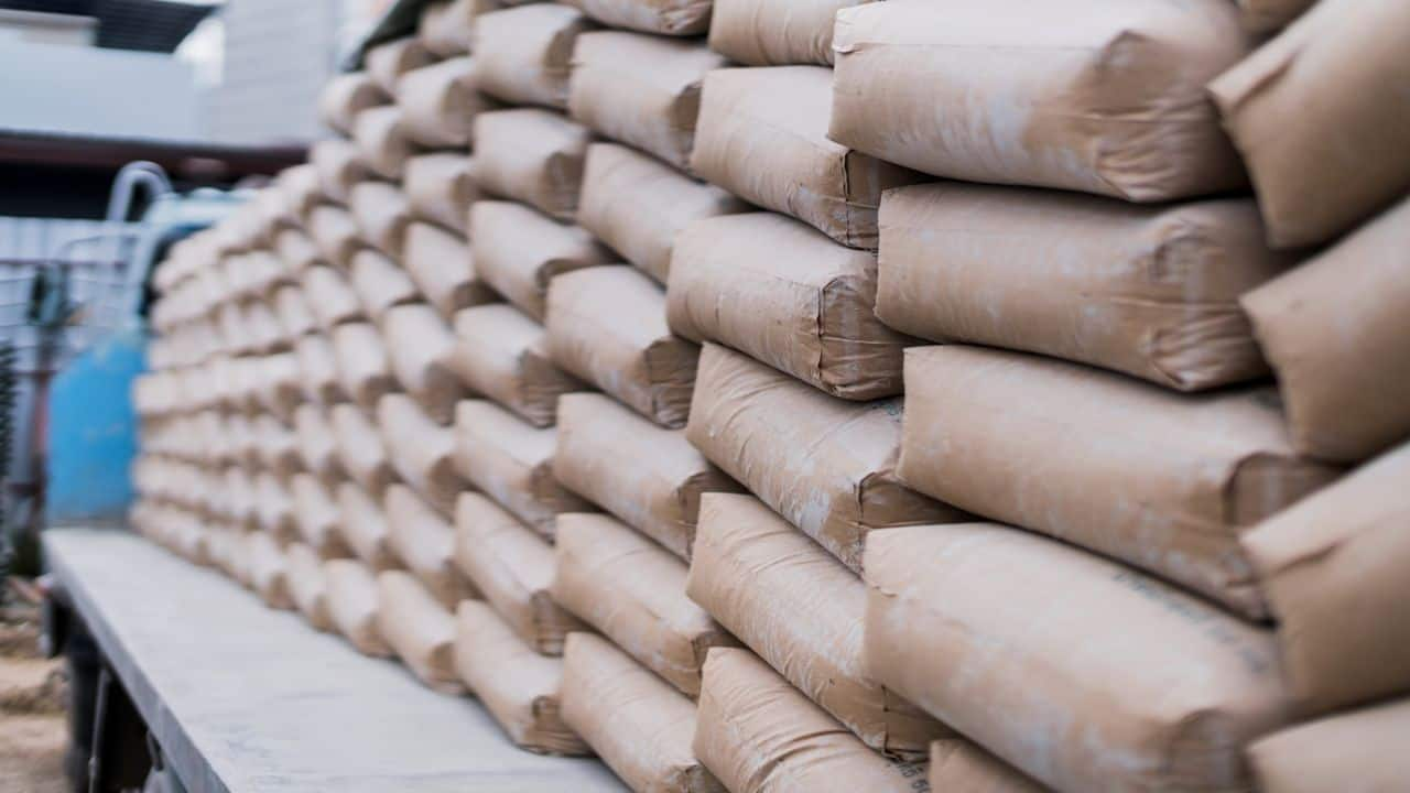 Dalmia Bharat: Subsidiary Dalmia Cement (Bharat) signed three Memorandum of Understandings with the Government of Jharkhand to invest Rs 758 crore in the state.
