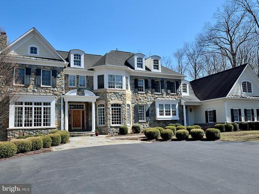 Property for sale at 141 Yarnick Rd, Great Falls,  VA 22066