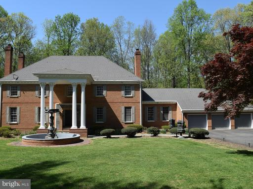 Property for sale at 10924 Crossview Dr, Great Falls,  VA 22066