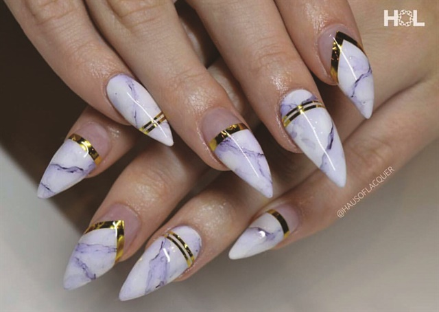 Stephanie Urmea A Nail Artist And Technician At Haus Of Lacquer Created These Marbled Gold Accented Nails