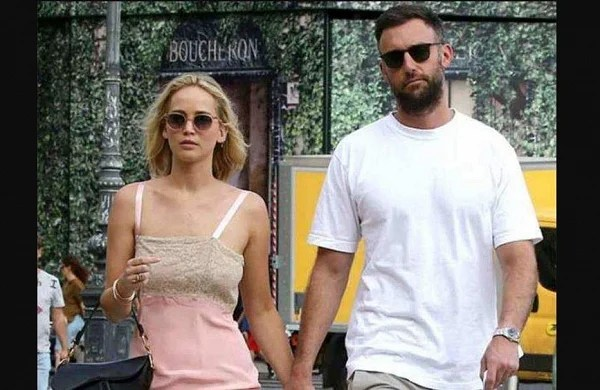 Jennifer Lawrence marrying her fiance this weekend in Rhode Island, here is what we know!