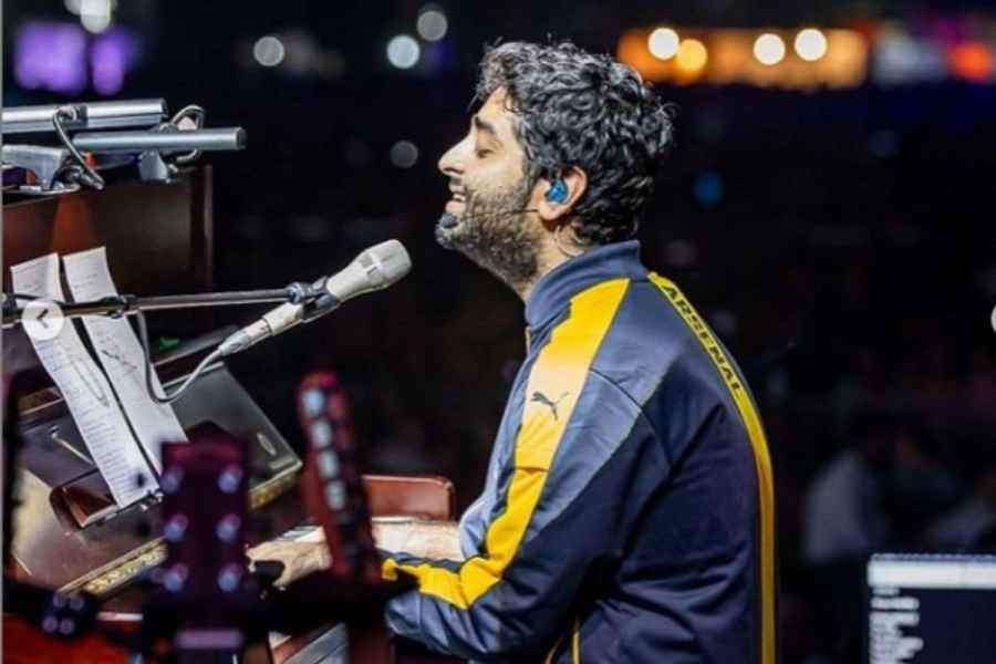 Arijit Singh will raise money by performing live concerts on Facebook.  (Photo courtesy: arijitsingh / Instagram)