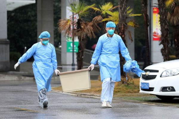Coronavirus Outbreak LIVE: Foreigners Airlifted from Wuhan as Death Toll Hits 132; UAE Announces 1st Case