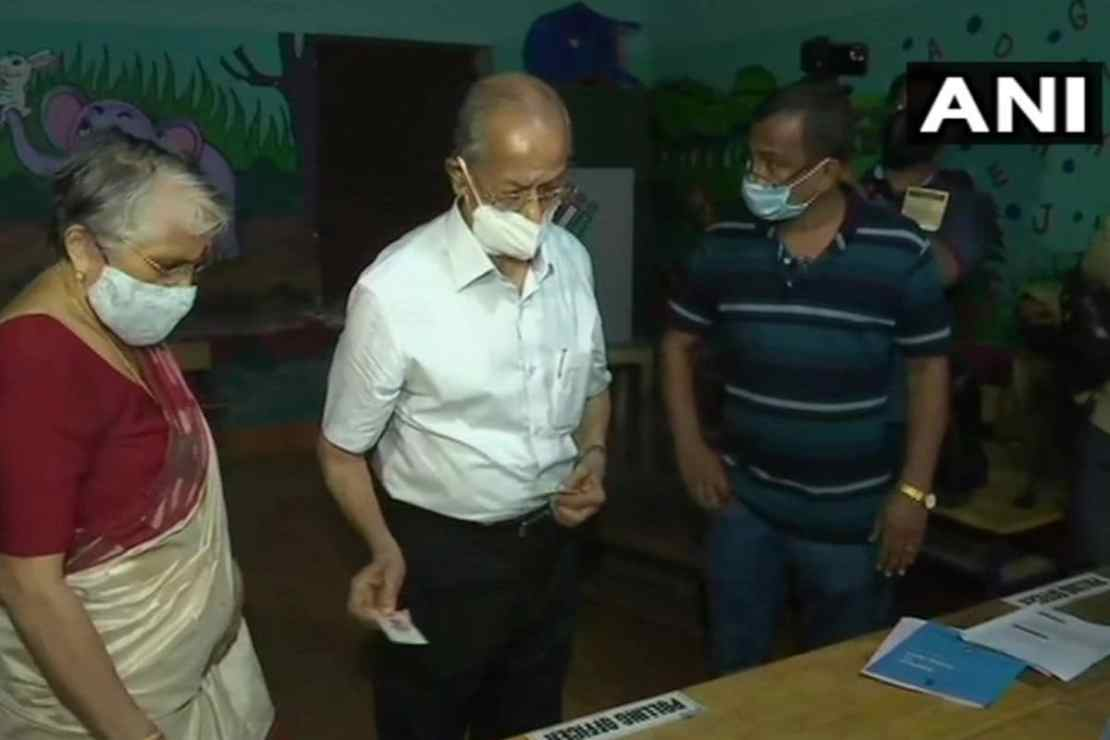 E Sreedharan arrives along with his wife at Ponnani Govt LP school, Velleri to cast his vote.