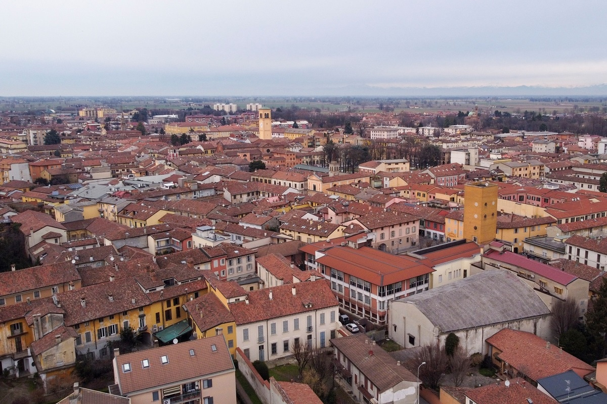 Italian Town With Over 900 Abandoned Houses is Selling Houses for 1 Euro