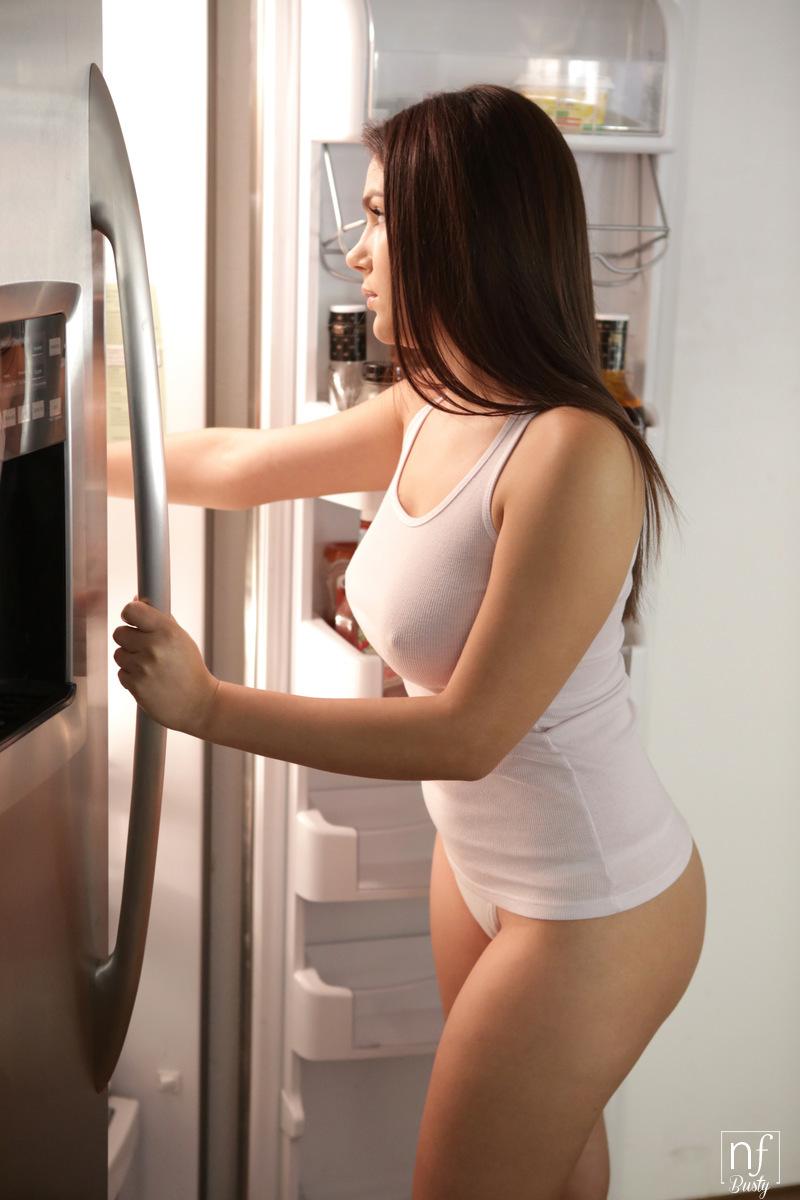 NFBusty.com - Bruce Venture,Valentina Nappi: Snatched - S1:E11