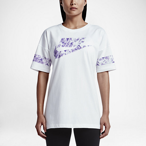 Nike Graphic Women's T-Shirt