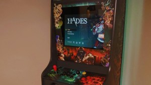 Coincidentally: Hades fan turns last year's indie hit into a fully functional arcade cabinet