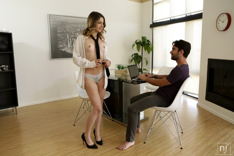 NubileFilms.com - Kristen Scott,Logan Pierce: Head To Toe Climax - S24:E30