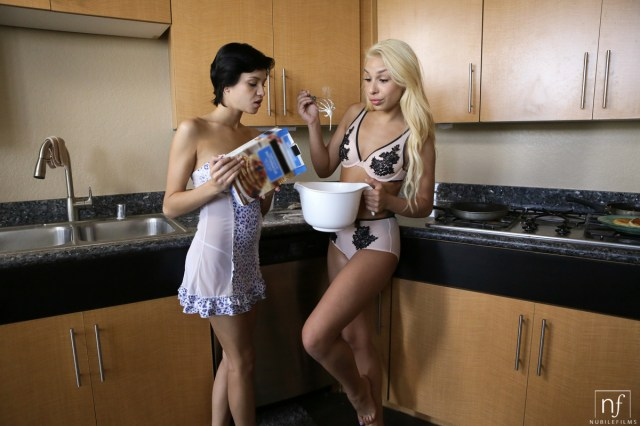 NubileFilms.com - Cadey Mercury,Carmen Caliente,Logan Pierce: Honeys - S25:E3
