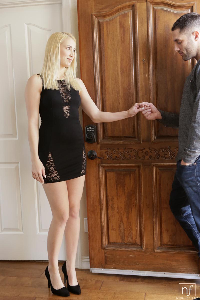 NubileFilms.com - Damon Dice,Sierra Nicole: Skin Tight - S23:E7