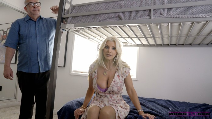 MomsTeachSex.com - Brittany Andrews: Off To College - S10:E3