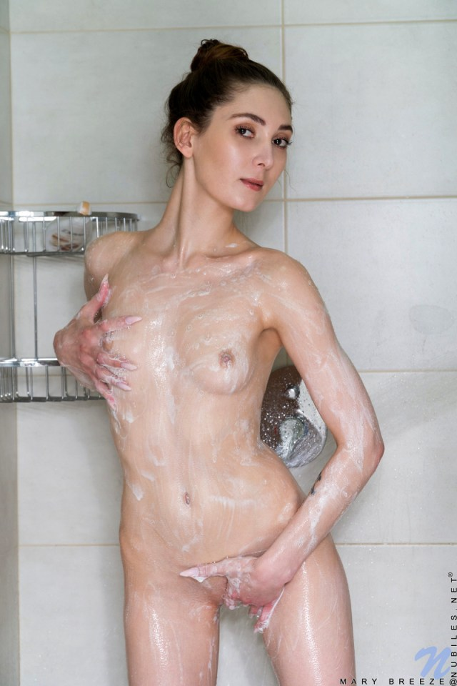 Nubiles.net - Mary Breeze: Shower Play