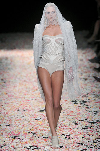 Spring 2009 Givenchy Haute Couture