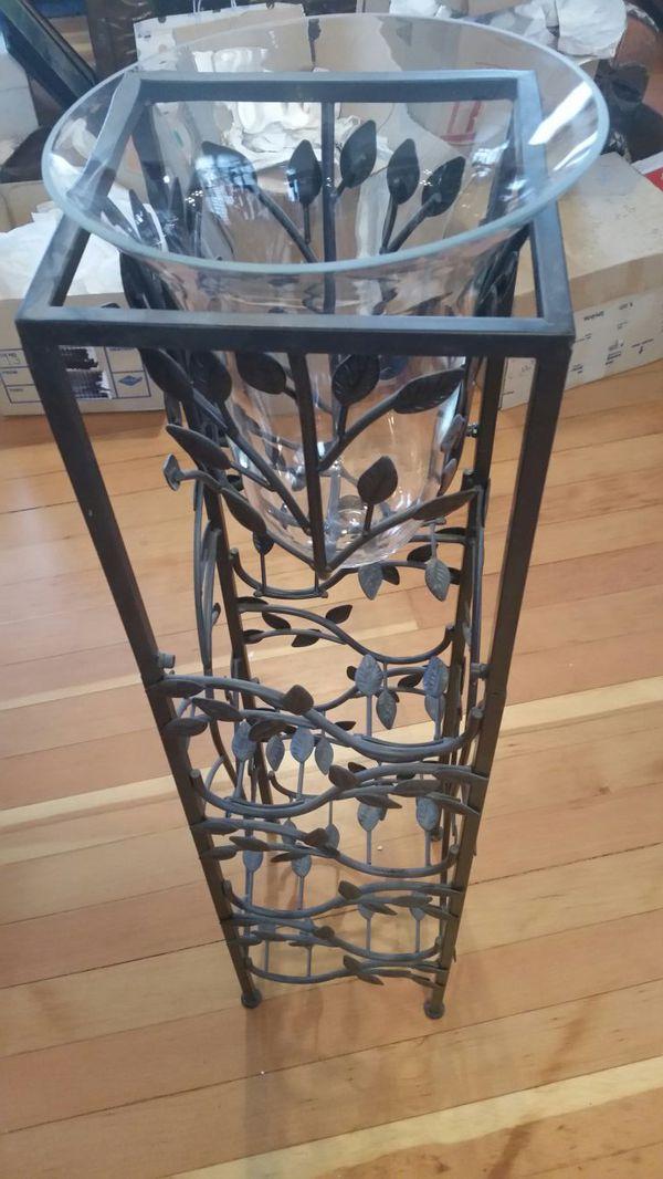 wine rack with wine bottle ice bucket