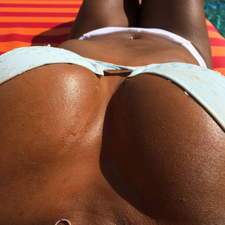 The Tennis champion flaunted her enviable assets in this raunchy snap [Serena Williams/Twitter]