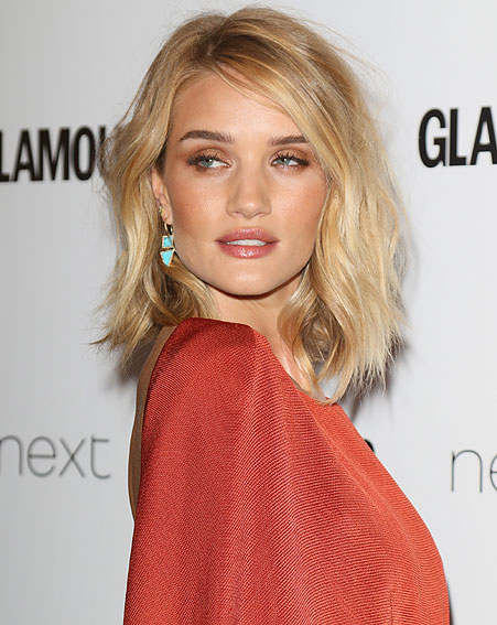 Rosie Huntington-Whiteley adds a slight eye squint to get the most from the look [Wenn]