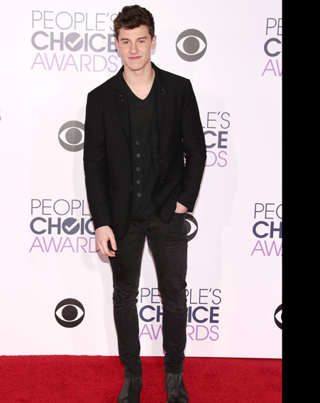 Singer Shawn Mendes sticks to an all black theme [Getty]