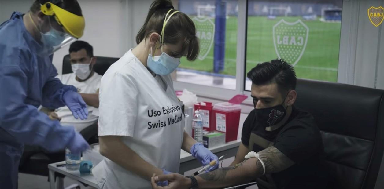 Sin síntomas, en Boca esperan por los resultados de Covid