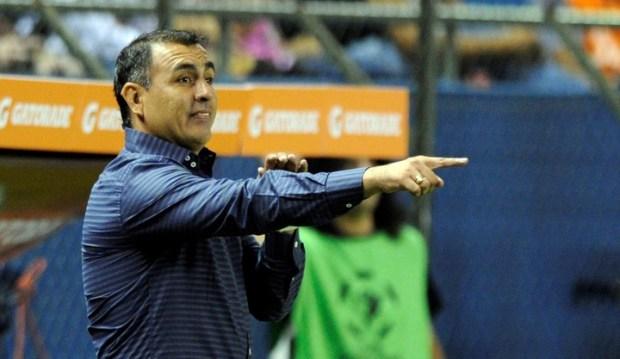 Pedro Sarabia, entrenador de 12 de Octubre de Paraguay.