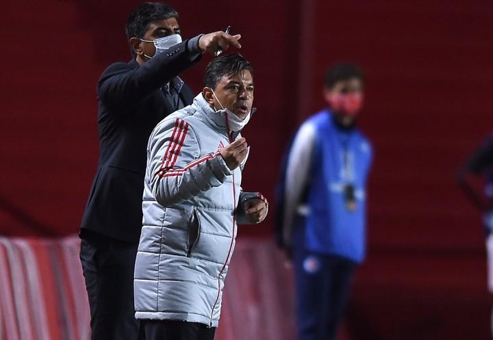Gallardo vivió el partido con mucha intensidad. Foto: prensa River.