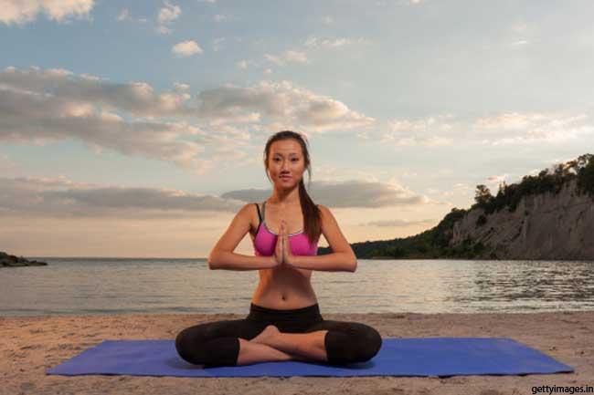 वजन कम करने के लिए दस मिनट के योगासन